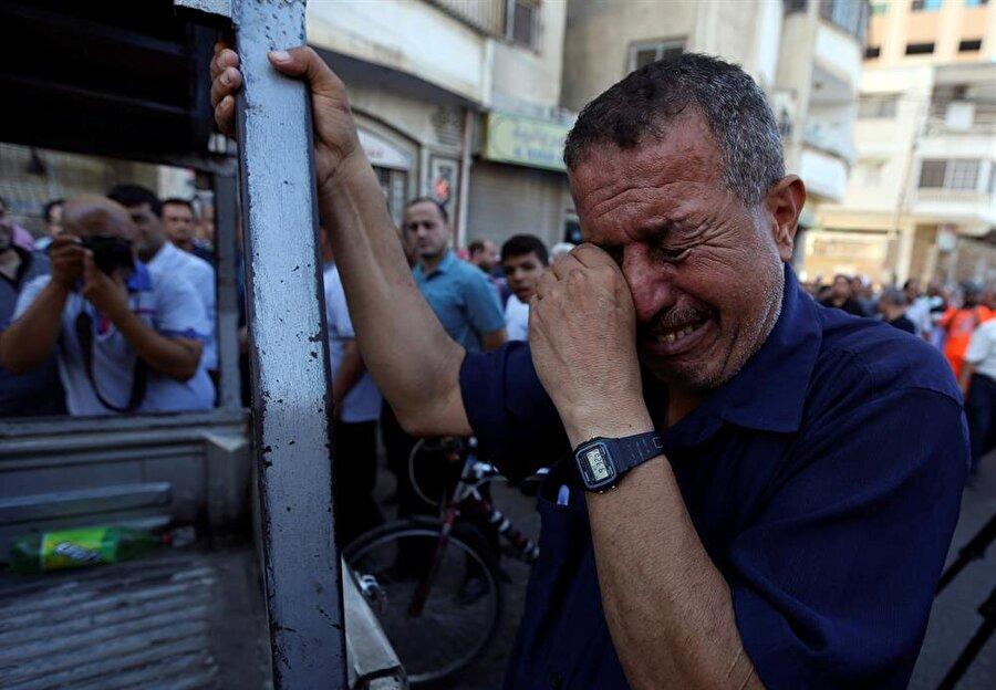 İşini kaybeden Gazzeliler büyük üzüntü yaşadı. (Ibraheem Abu Mustafa / Reuters)