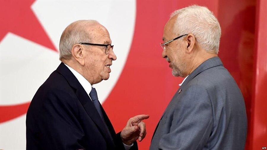 Nahda Hareketi lideri Râşid Gannuşî (sağda), Cumhurbaşkanı es-Sebsî ile iyi ilişkilere sahipti.