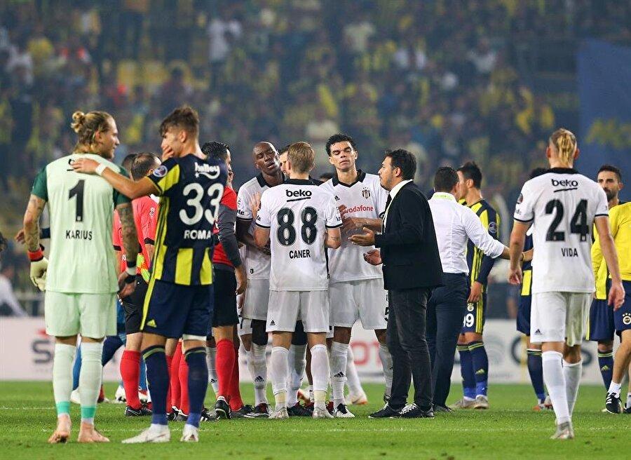 Dün akşam oynanan Fenerbahçe-Beşiktaş derbisinin ardından Caner Erkin ikinci sarı karttan kırmızı kart gördü.