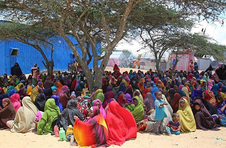 Sığınma kamplarındaki imkanlar oldukça kısıtlı durumda. (Sadak Mohamed / AA)