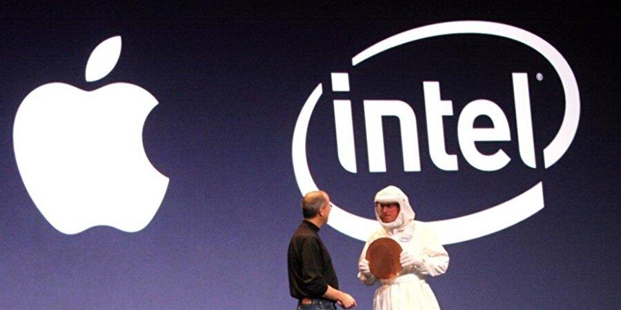 Apple, Qualcomm ile çalışmalarını sonlandırdıktan hemen sonra eski ortağı Intel ile yeni iş anlaşması imzalamıştı.