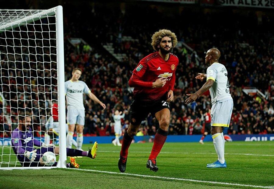Marouane Fellaini, uzatmalarda golü bulduktan sonra tribünlere doğru koştu.