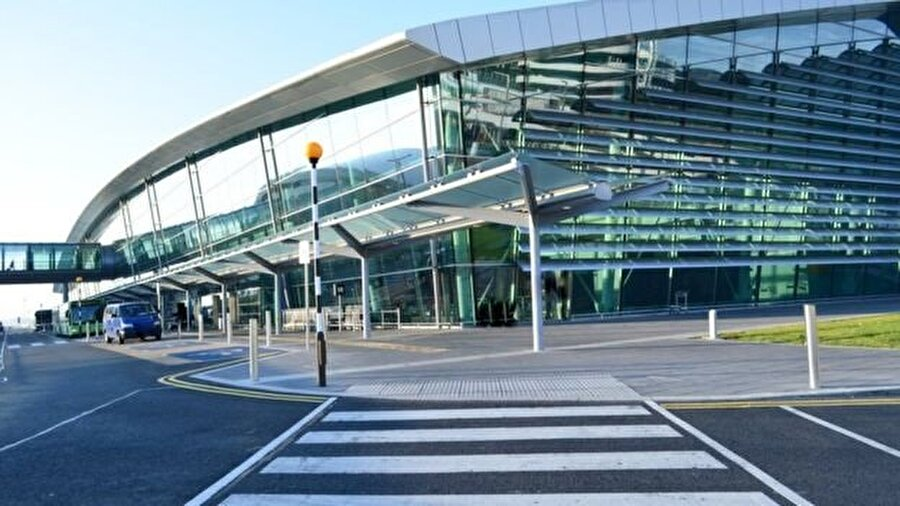 Dublin havaalanı İrlanda'nın en modern havaalanı olarak gösteriliyor.