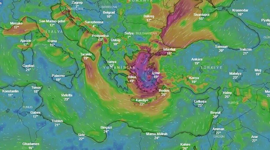 Kasırganın Pazar sabah saat 08 :00 itibariyle İzmir'e ulaşması bekleniyor.