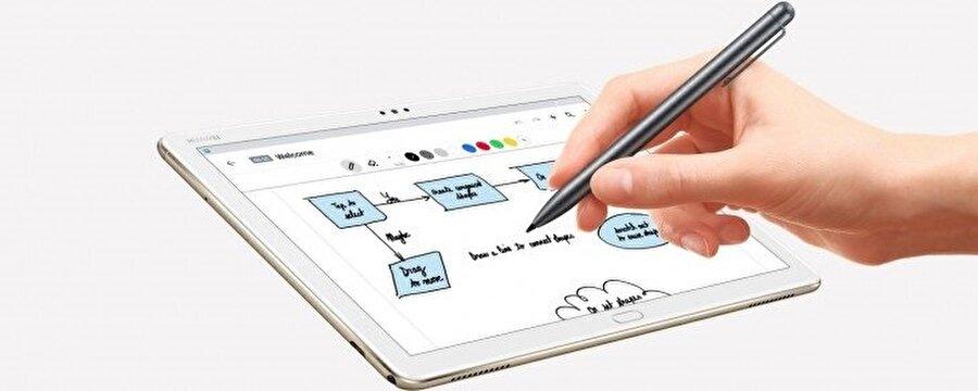 Huawei MediaPad M5 Lite, özel dizayn edilmiş kalemiyle oldukça başarılı bir tasarım cihazı yeteneği de vadediyor.