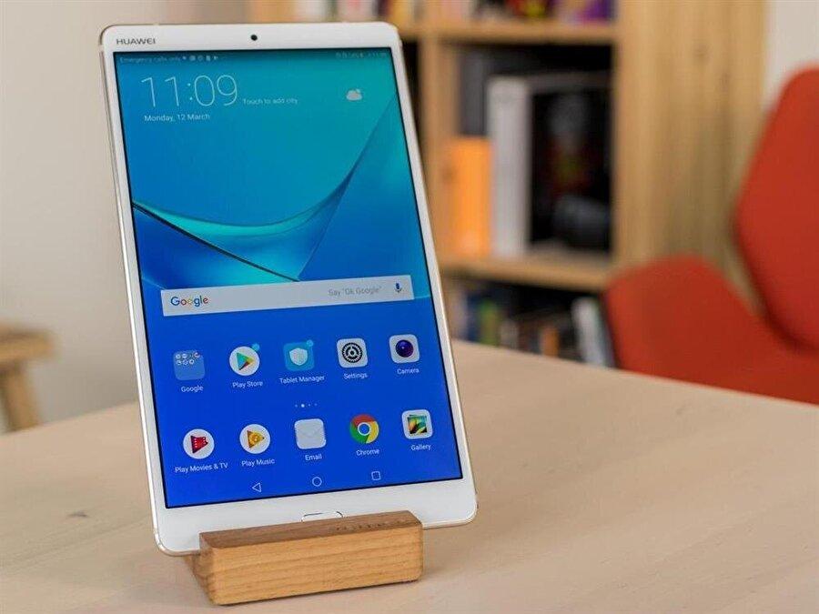 Huawei MediaPad M5 Lite'ın, kompakt görünümü de tercih sebeplerinden biri konumunda.
