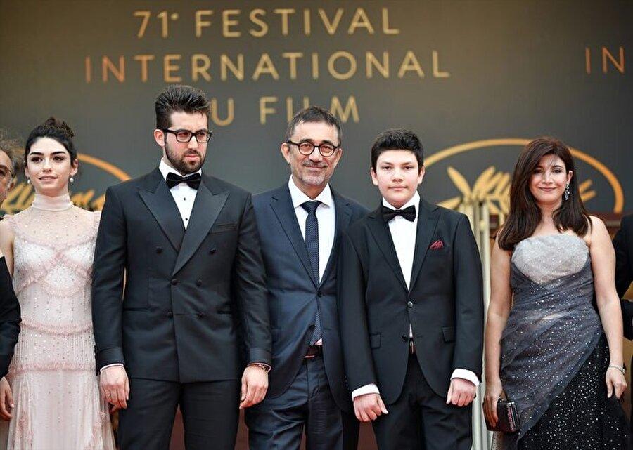 Cannes Film Festivali'nde büyük beğeni toplayan, izleyiciler tarafından ayakta alkışlanan Ahlat Ağacı, Türkiye'nin Oscar adayı oldu.
