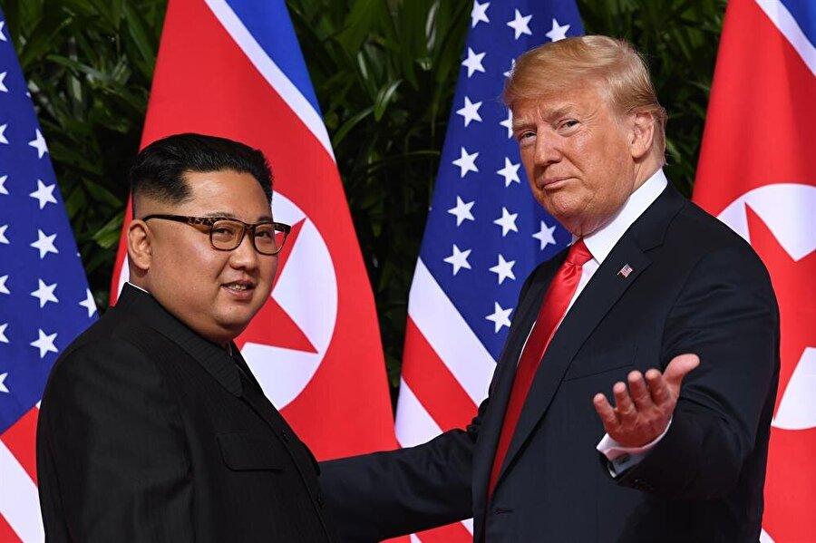 """Trump, Kim Jong Un ile görüşmelerine ilişkin, """"Birbirimize aşık olduk"""" ifadelerini kullandı."""