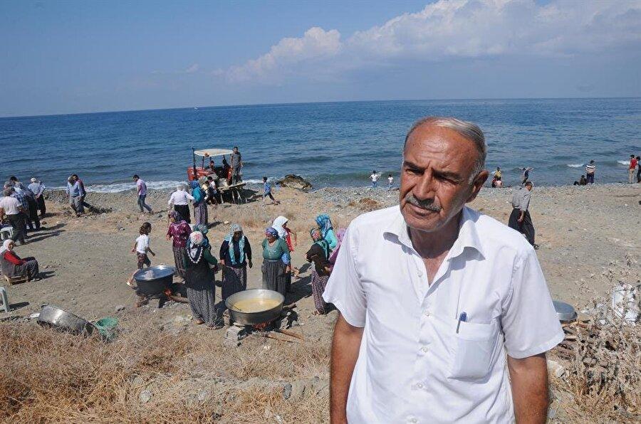 Mahallenin muhtarı Mehmet Çakmak tarım yapabilmeleri için yağmura ihtiyaçları olduğunu söyledi.