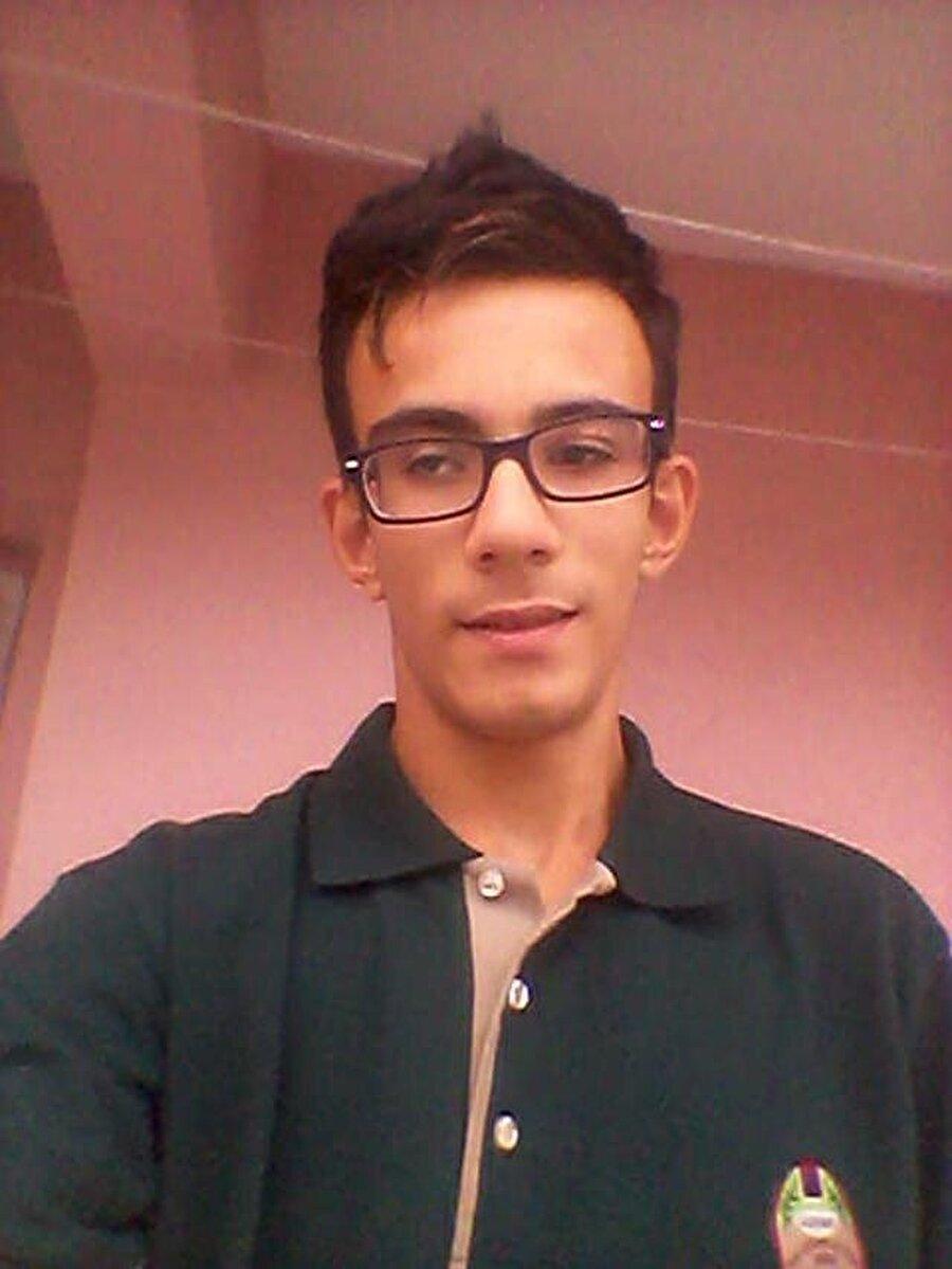 Ahmet Yusuf Öz, eve giren hırsızlar tarafından bıçaklanarak öldürüldü.