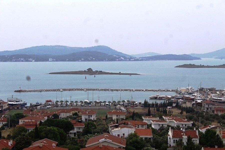 Türkiye'nin batı kıyılarında etkili olması beklenen tropik fırtına, Ege'de yerini yağışa bıraktı.