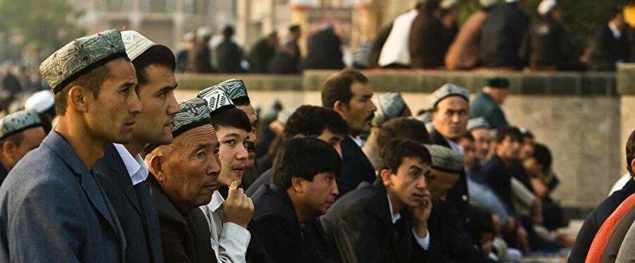 """""""Doğu Türkistan"""" olarak da bilinen Uygur Özerk Bölgesi, asimilasyon politikalarının hedefinde."""