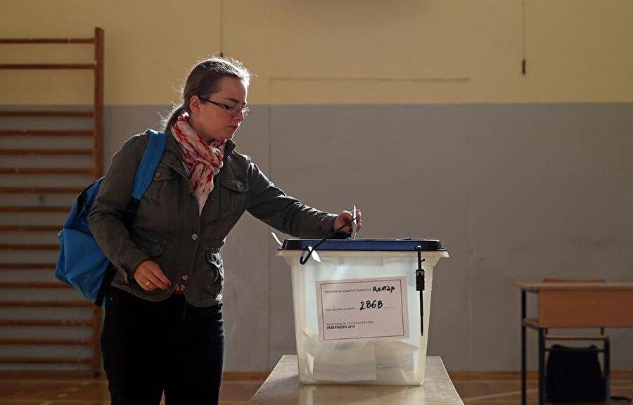 """Resmi olmayan sonuçlara göre sandıktan yüzde 91,4 """"evet"""" oyu çıktı."""