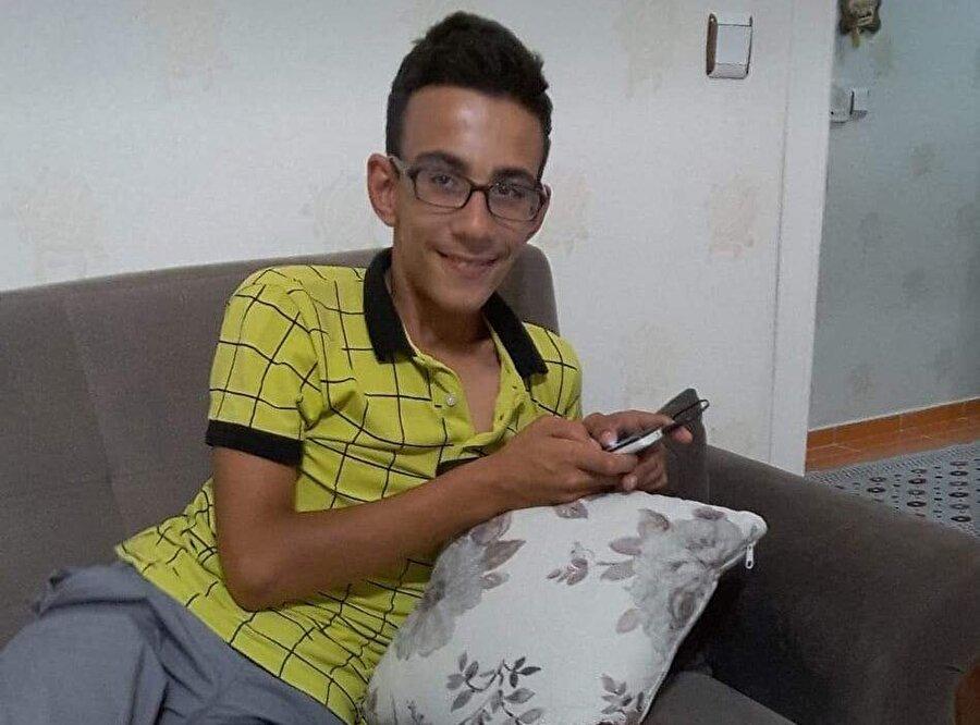 17 yaşındaki Ahmet Yusuf Öz, eve giren hırsız tarafından bıçaklanarak öldürüldü.