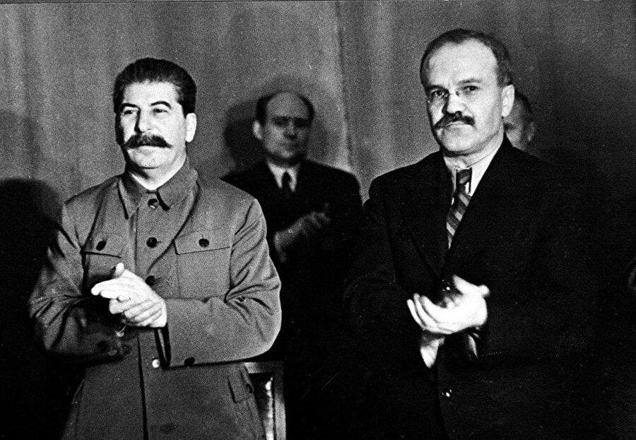 Vyacheslav Mikhailovich Molotov, Stalin'le birlikte.