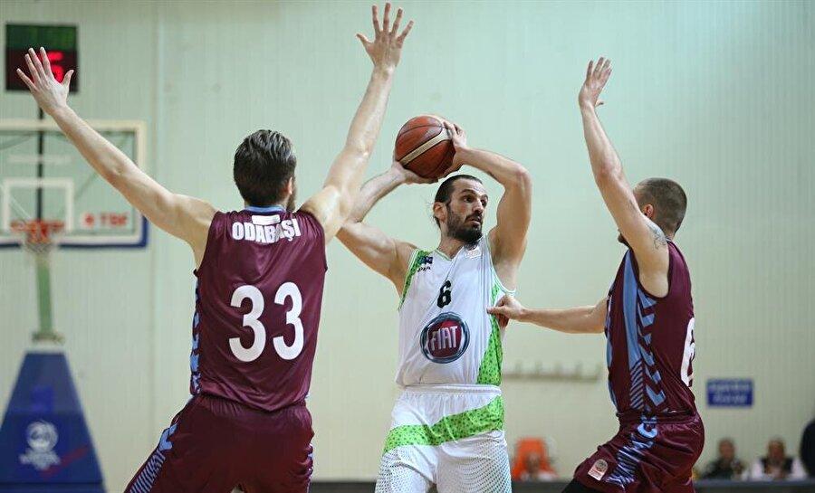 Trabzonspor Basketbol Takımının yaklaşık 6 aydır personel maaşlarını ödeyemediği öne sürülüyordu.