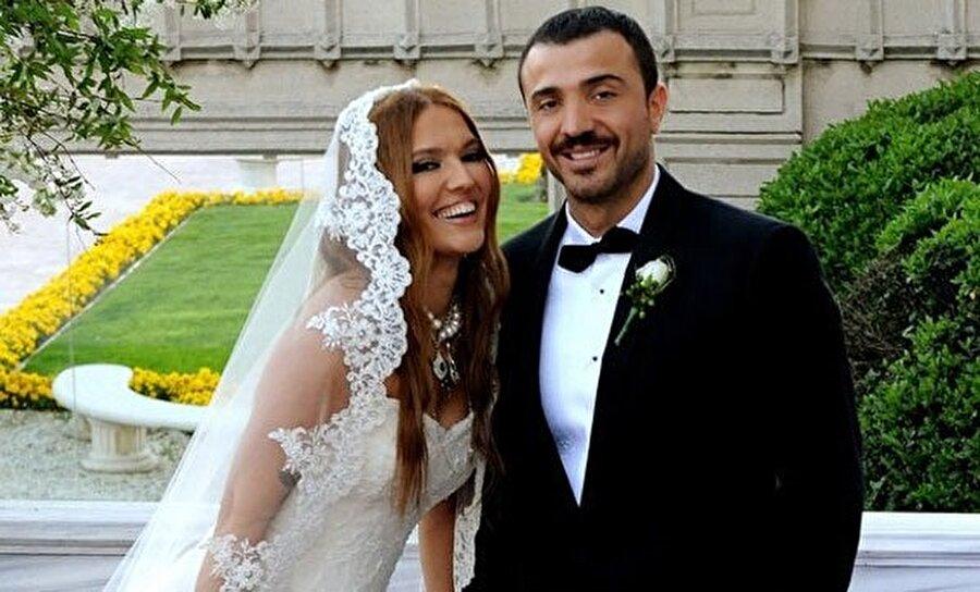 Demet Akalın ve Okan Kurt, 6 yıllık evliliklerini geçtiğimiz ay sonlandırdı