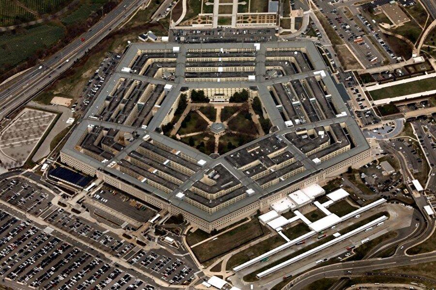 Pentagon'a gönderilen pakette iki zarf olduğu ve zarflarda risin zehri olduğu öğrenildi.