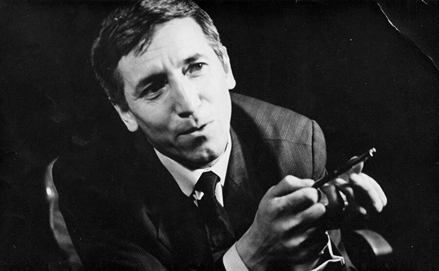 Bulgar gazeteci Georgi Markov, 1978 yılında şemsiyenin ucuna enjekte edilen risin maddesinin vücuduna temas ettirilmesi sonucu hayatını kaybetti.