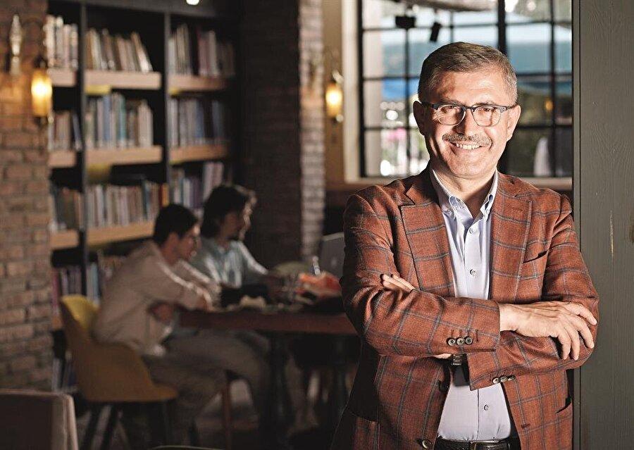 Üsküdar Belediye Başkanı Hilmi Türkmen, mimari alanında yaptığı çalışmalarla dikkat çekiyor