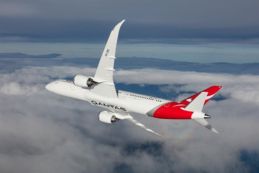 Listede Qantas 854 milyon dolarlık gelirle ikinci sırada yer aldı.