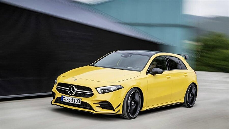 Mercedes'in yeni 'canavarı' AMG A-35, konsept videolarda sarı renkli olarak görüntülenmişti.