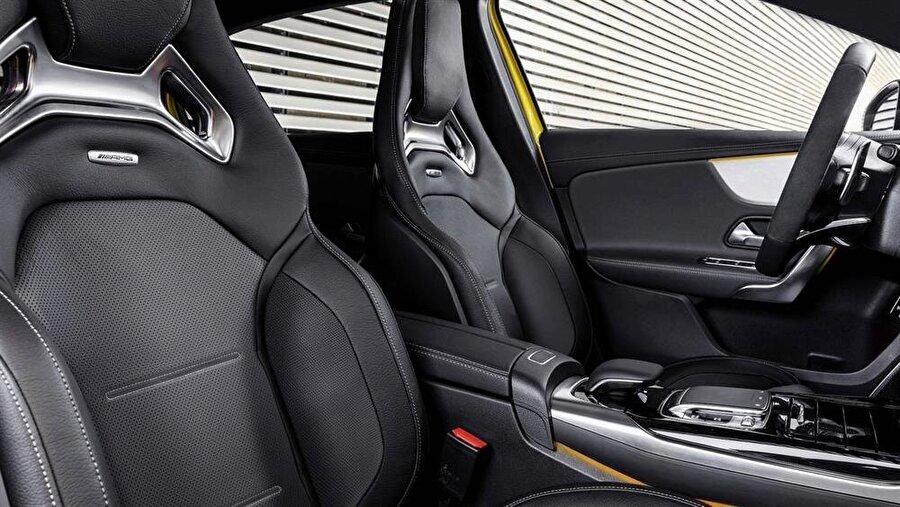 AMG A-35'in özel alaşımlı deriden koltukları sürüş ve seyahat konforunu artıran etkenlerden biri olarak gösteriliyor.