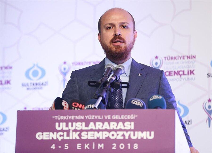 Dünya Etnospor Konfederasyon Başkanı Bilal Erdoğan, Türkiye'nin Yüzyılı ve Geleceği Uluslararası Gençlik Sempozyumu'nda konuştu.