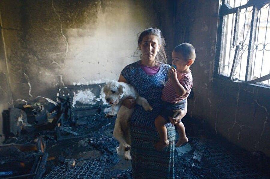Yangında ailenin tüm eşyaları yandı.