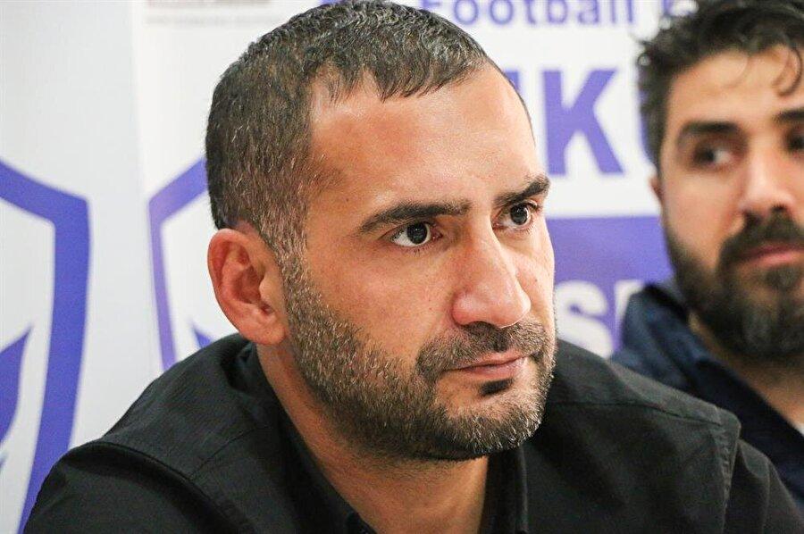 En son Malatyaspor USA'yı çalıştıran Karan, Makedon basın mensuplarının sorularını dikkatle dinledi.