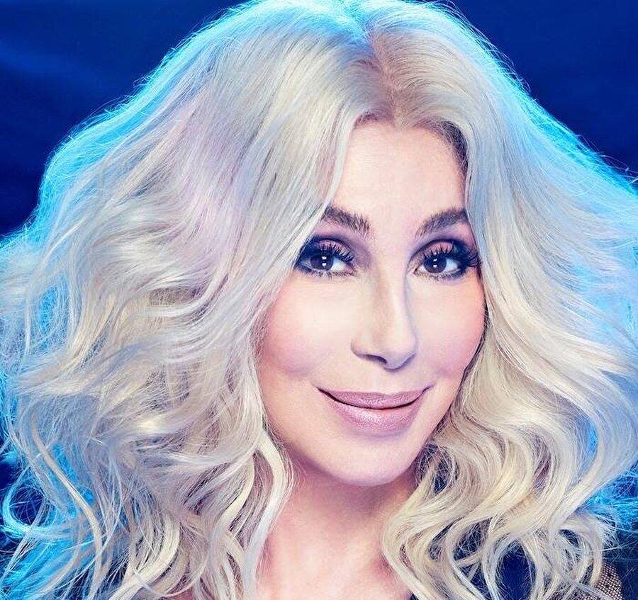 ABBA grubunun şarkılarını yeniden seslendiren ABD'nin divası 'Cher'