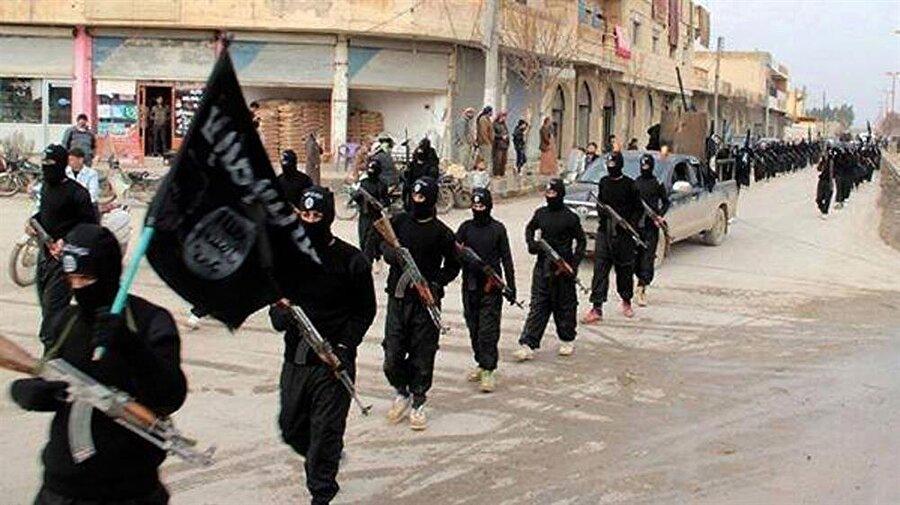 IŞİD, Ortadoğu'nun bazı bölgelerinde varlığını hâlâ koruyor.