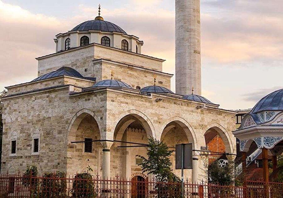 Sırp bölgesinde yer alan az sayıda camilerimizden, Ferhad Paşa Camii