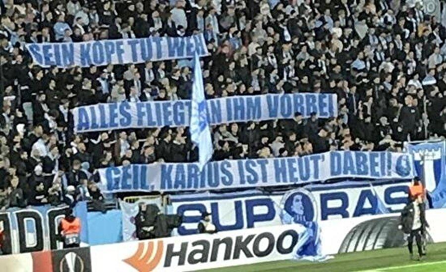 Malmö taraftarının Loris Karius'a özel hazırladığı pankartta alaycı ifadeler yer aldı.