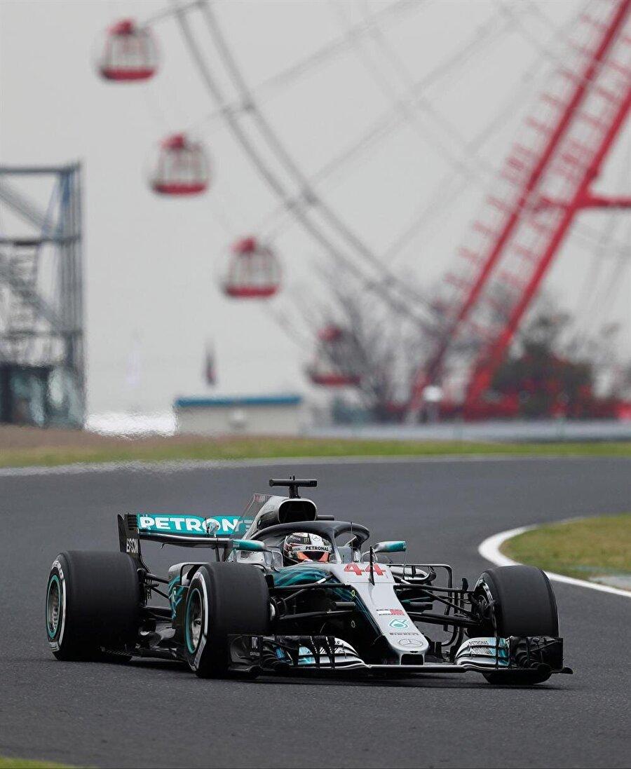 Hamilton pistte tur atarken.