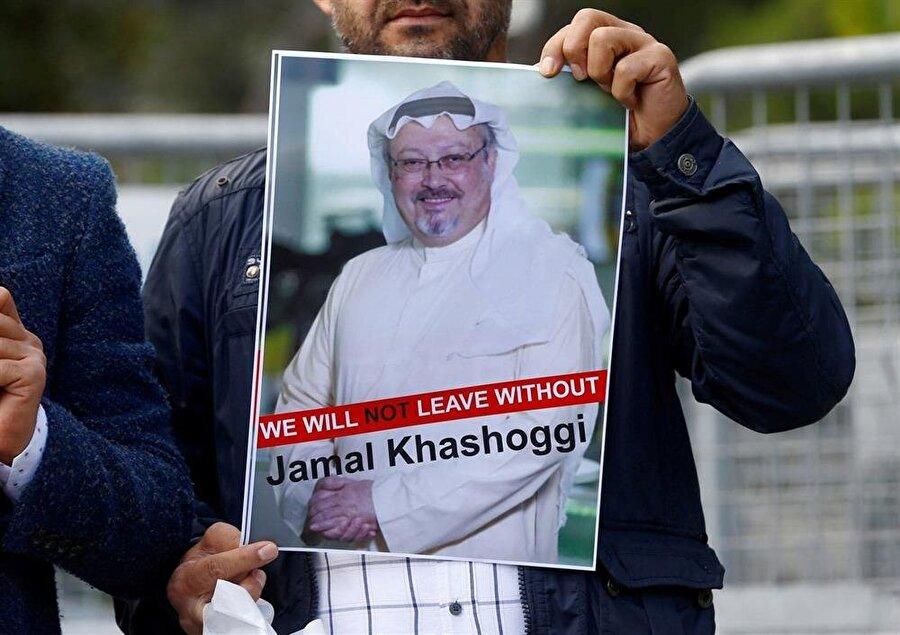 Kaşıkçı'nın yakınları ve bazı STK'lar Suudi Arabistan Konsolosluğu önünde protesto gösterisi düzenledi.