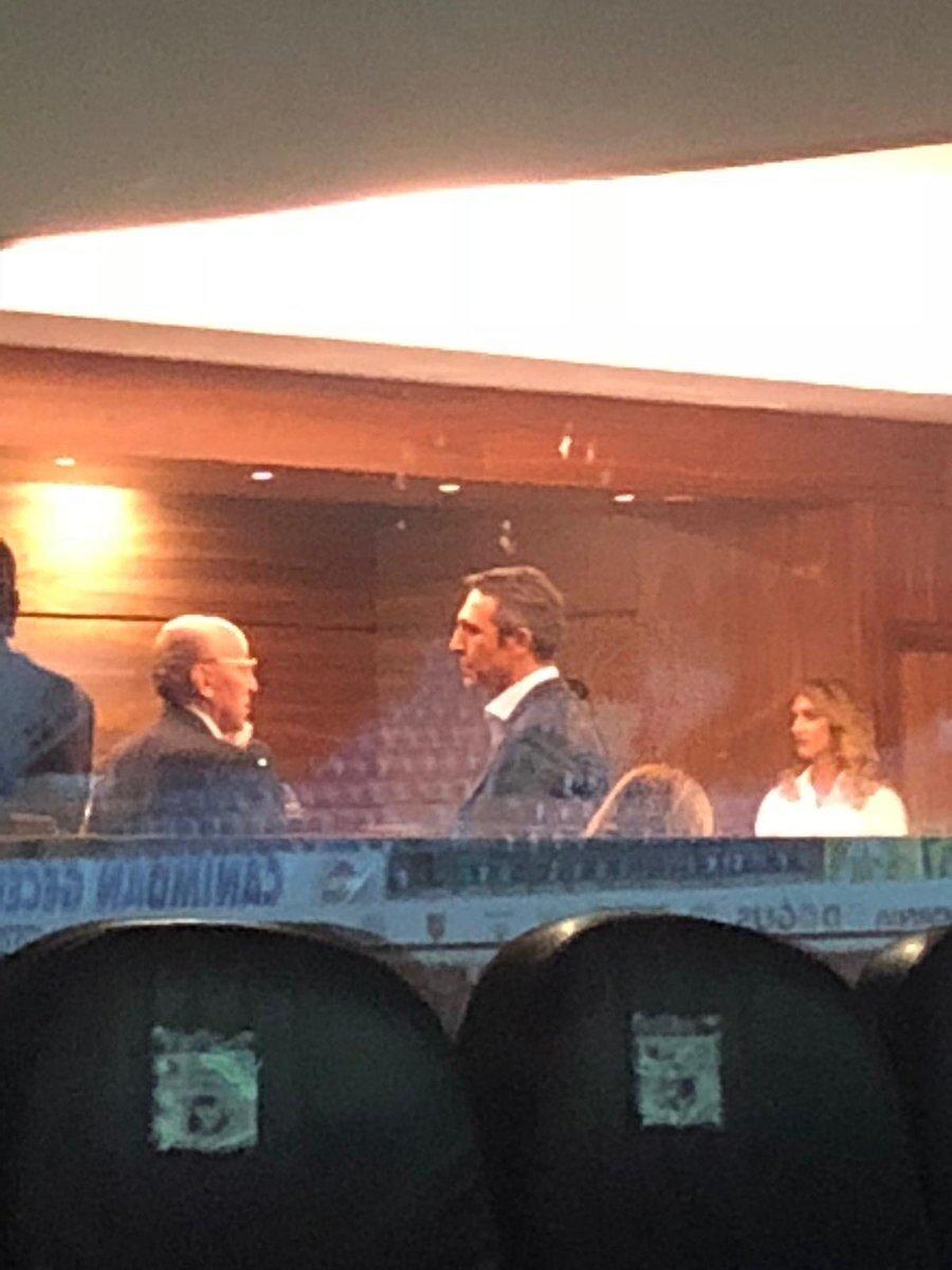 Ali Koç ve kurmayları, Başakşehir maçının hemen ardından Cocu'nun geleceğini konuşuyor.