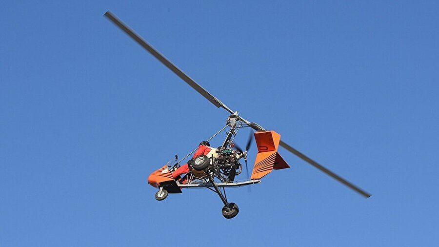 Cayrokopterin havadaki görüntüleri hem şıklık hem de kompaktlık konusunda ilgi çekmeyi başarıyor.