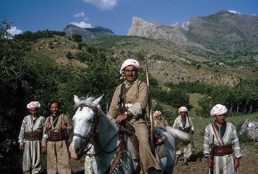 Mustafa Barzani, Mahabad ordusunun başındaki isimdi.