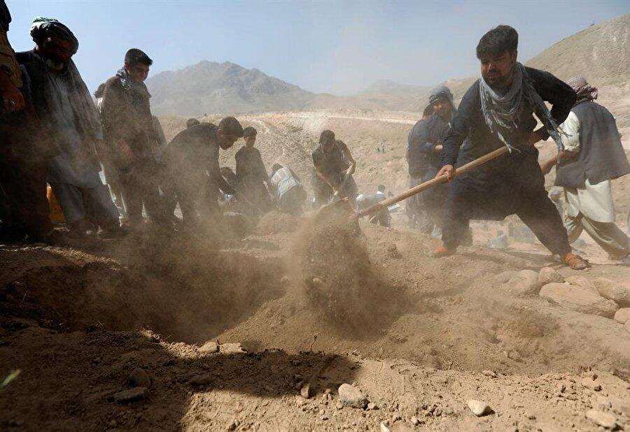 Afganistan'da gerçekleşen çatışmalardan etkilenenlerin arasında çocuklar da var.