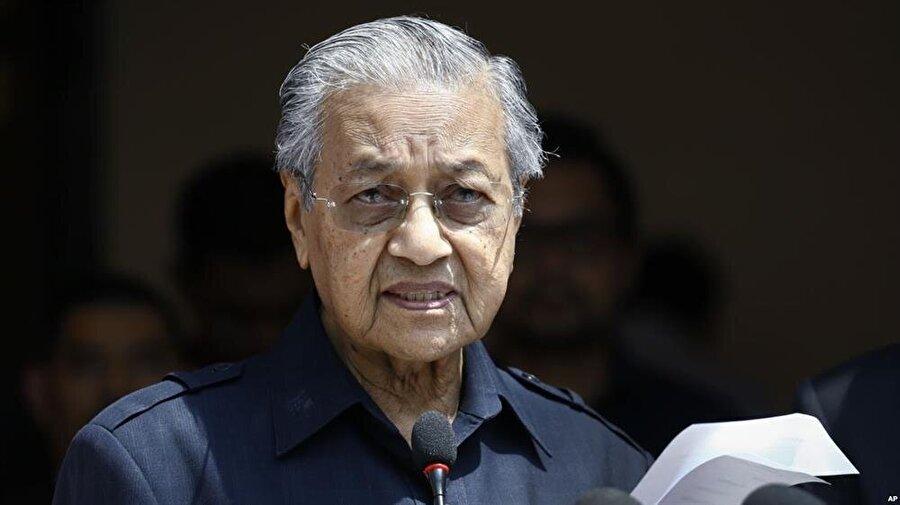 93 yaşındaki Mahathir Muhammed, dünyanın en yaşlı başbakanı unvanına sahip.