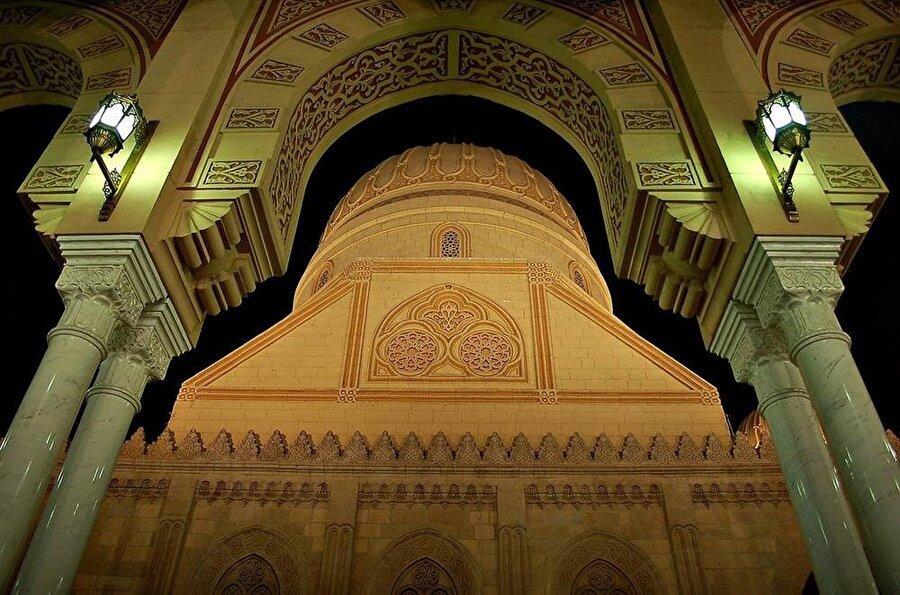 Tanta'da bulunan Ahmed el-Bedevî Camii, Şeyh Ahmed el-Bedevî'nin mezarını da bünyesinde barındırmaktadır.