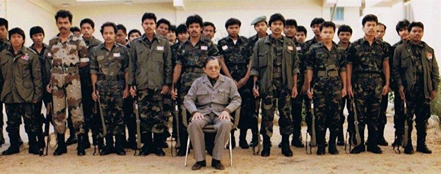 Özgür Açe Hareket'ini (GAM) kuran Hasan Di Tiro, 3 yıl boyunca Endonezya ordusu ile mücadele etti.