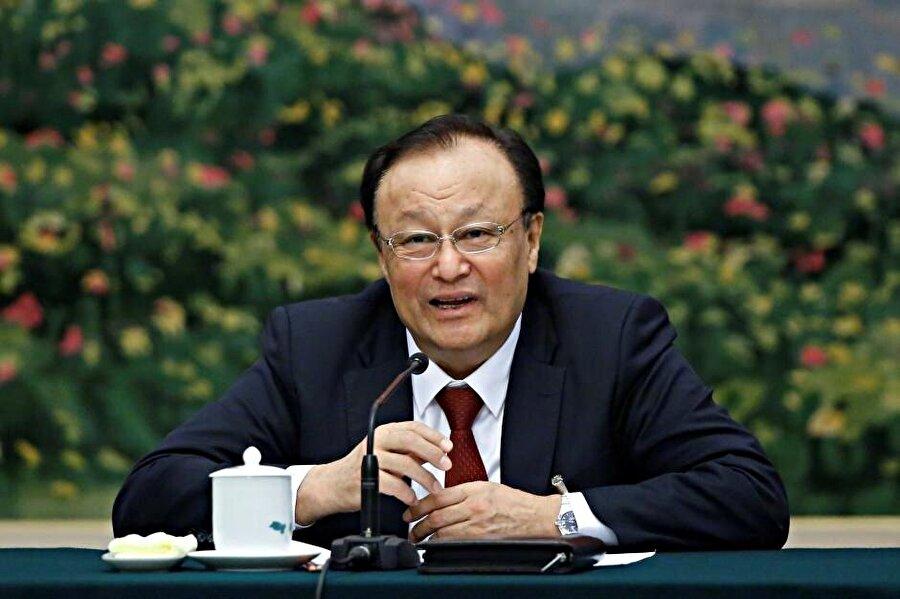 Şincan Özerk Uygur bölgesinin valisi Şohrat Zakir