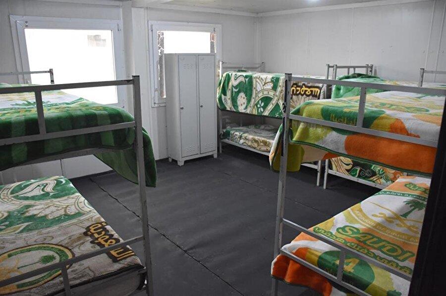 Erkek öğrenci yurdunu 240 kişilik kapasiteye sahip.