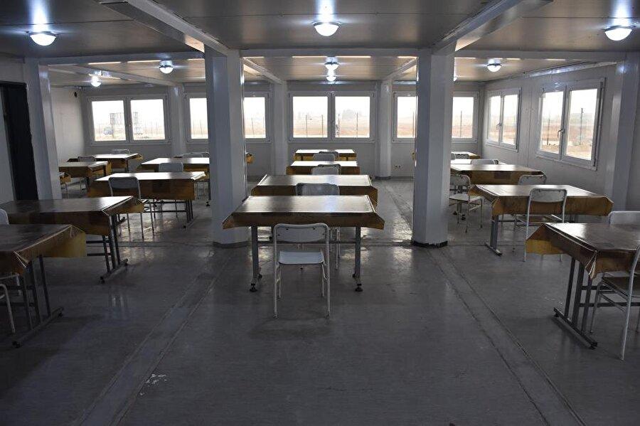 Üniversiteli öğrencilerin kalacağı erkek öğrenci yurdunun yemekhanesi.