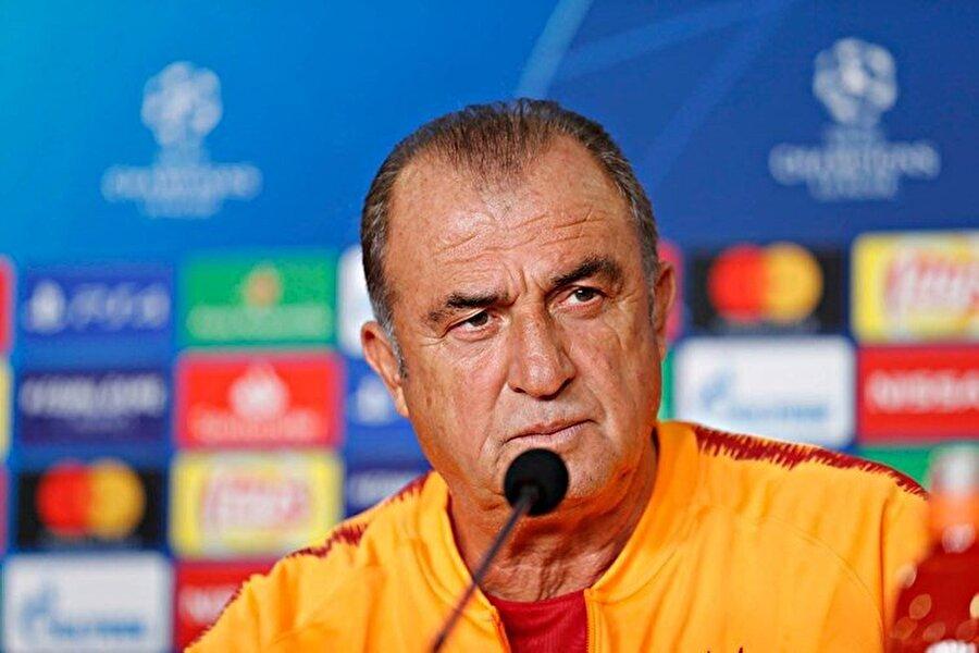 Fatih Terim, Şampiyonlar Ligi'nde karşılaşma öncesinde basın mensuplarının sorularını yanıtlıyor...