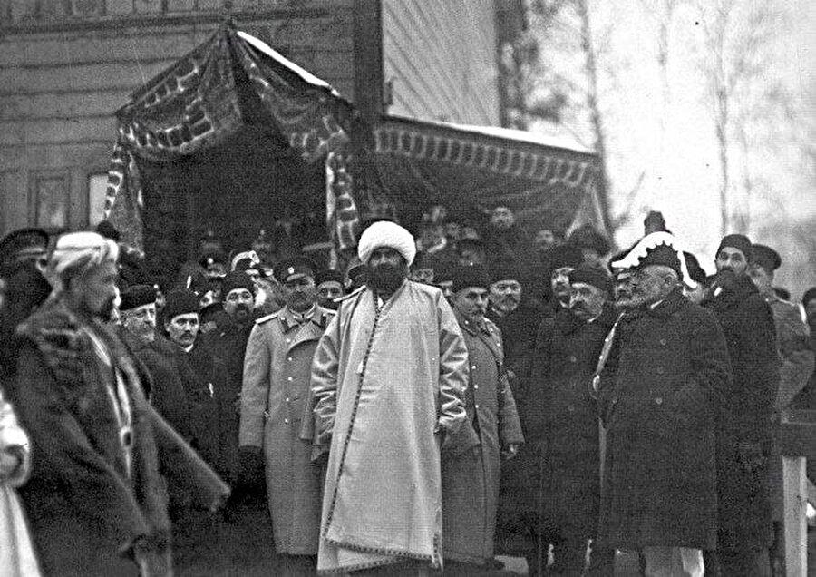 Buhara emiri Seyyid Mir Muhammed Alim Han Petersburg Camii açılış töreninde