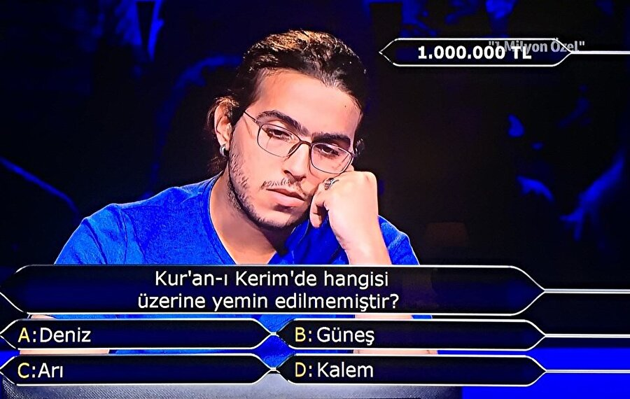 Yarışmacı 1 milyon liralık soruyu yanıtsız bıraktı.