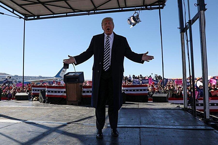 ABD Başkanı Donald Trump, Elko Nevada'daki Elko Bölge Havalimanı'nda düzenlenen seçim kampanyasında konuştu.